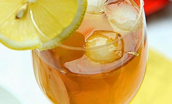 Nhiều nghiên cứu đã chứng minh công dụng của nước chanh và mật ong đối với làn da.