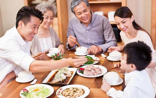 Bữa cơm gia đình cùng gạo Jasmine