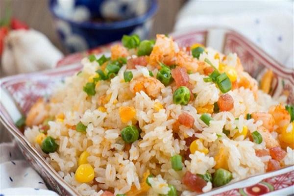 Cơm chiên rau củ từ gạo ngon nhất thế giới st25