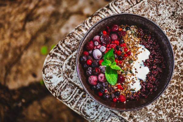 ăn gạo lứt sữa chua giảm cân