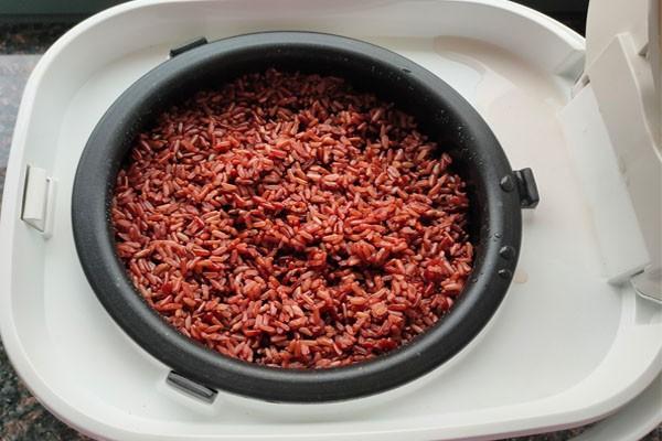 Nấu gạo lứt giảm cân