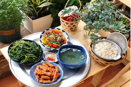 Gạo ST25 ngày càng gần gũi trong từng bữa cơm gia đình Việt