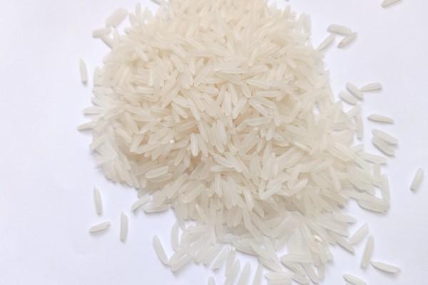 Gạo ST25 thon dài, trắng trong đẹp mắt