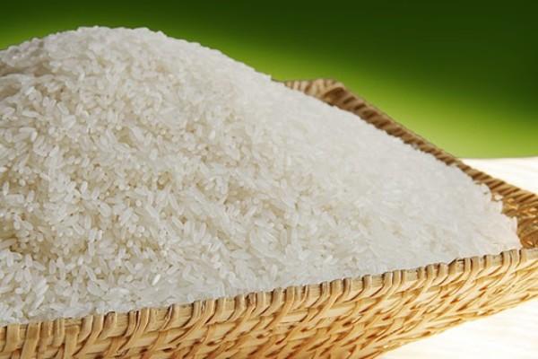 Hạt gạo Bắc Hương màu trắng, nhỏ và dài