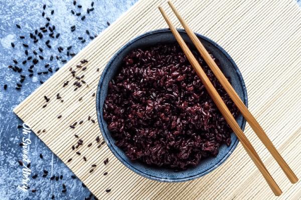 Gạo lứt đen tăng cường sức khỏe tim mạch